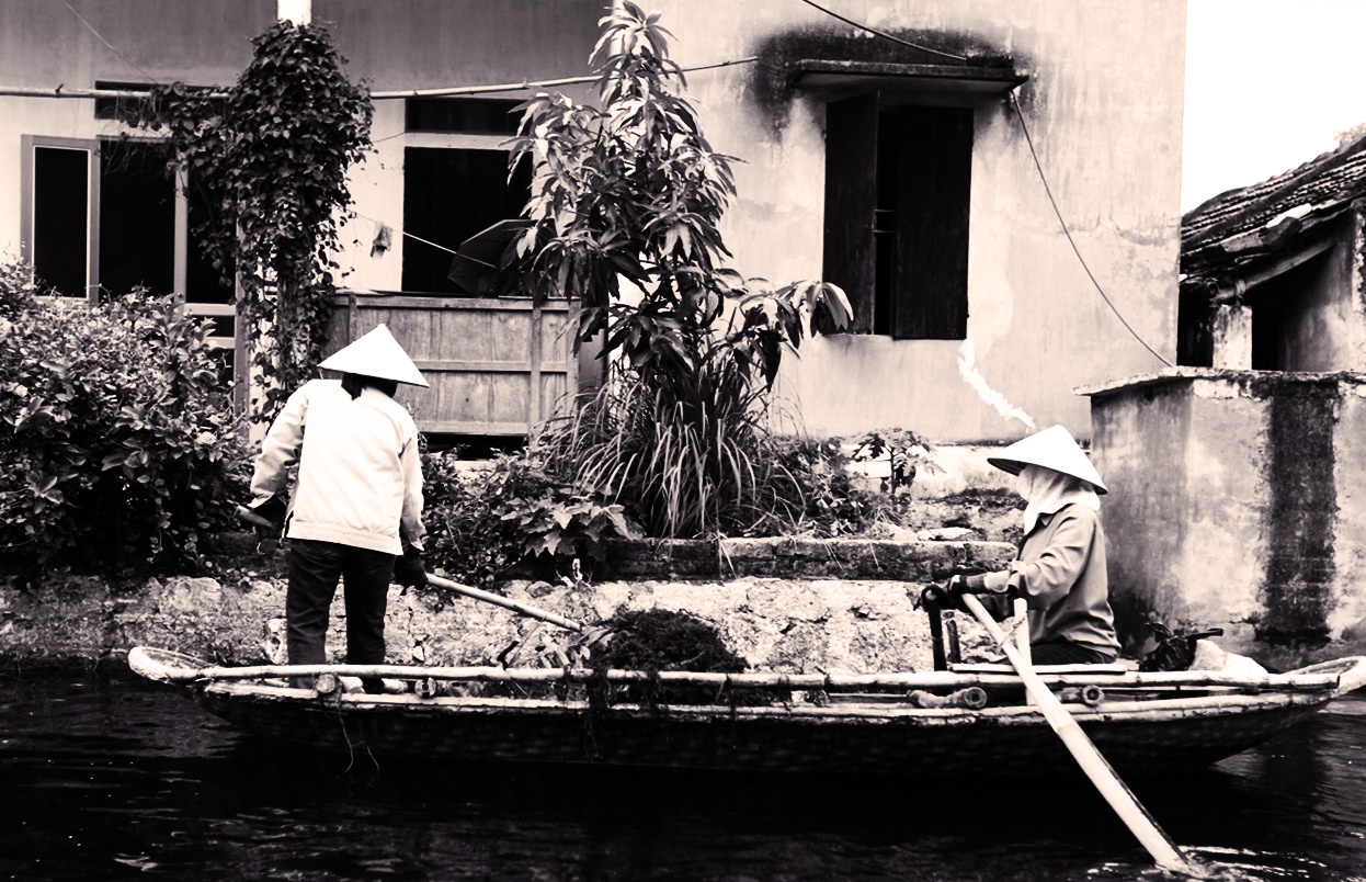 Boat People in Ninh Binh